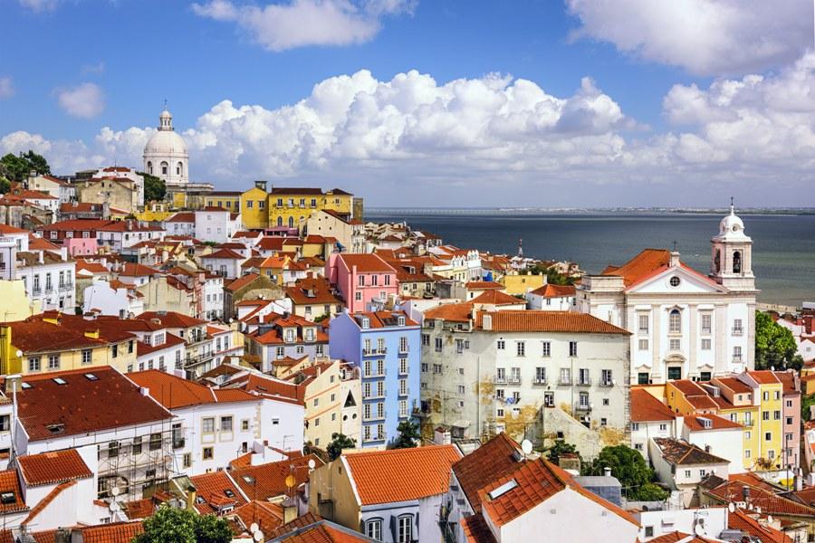 Алфама - Най-живописния квартал в Лисабон