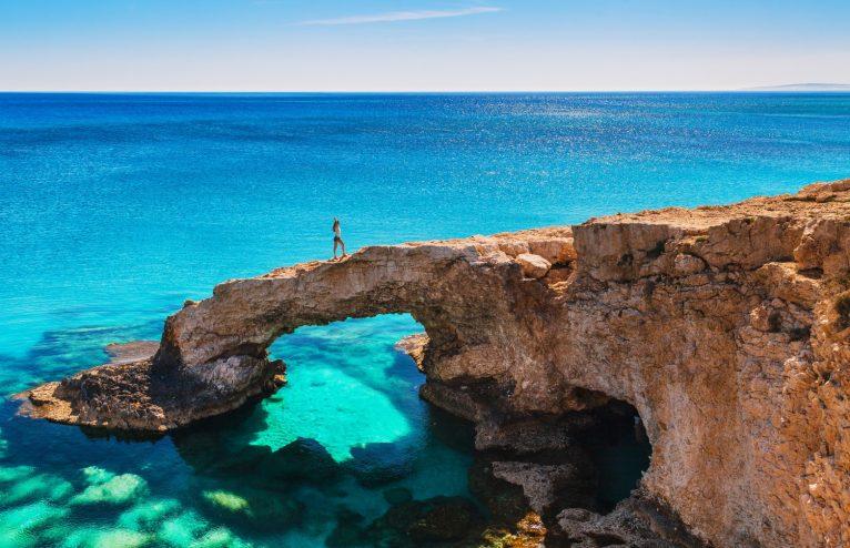 Посети Ларнака и Пафос и се наслади на почивката си в Кипър.